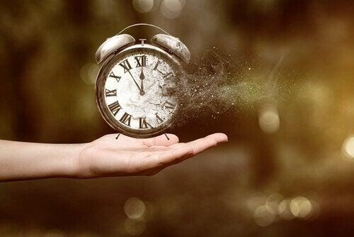 kello haihtuu pois