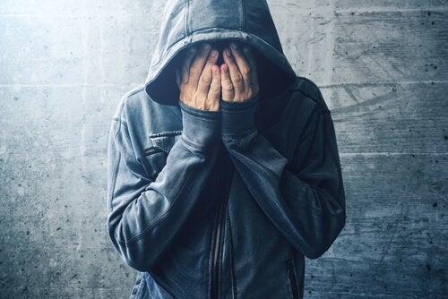 huumeiden käyttöön liittyvä masennus