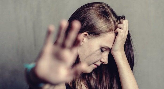 Kotiväkivallan psykologiset vaikutukset