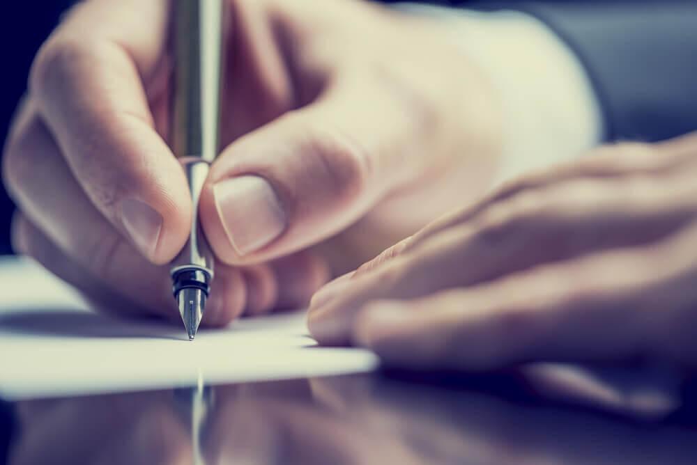 kirjoita häiritsevät ajatukset paperille