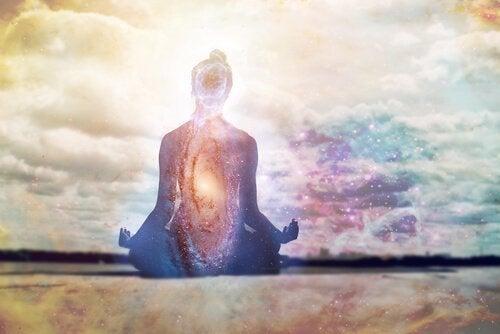 Mantrojen toistaminen voi rauhoittaa mielesi