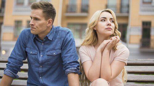tekijät jotka tappavat romanttisen rakkauden: kommunikaation puute