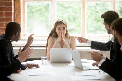 opi sanomaan ei: itsevarmuus työpaikalla