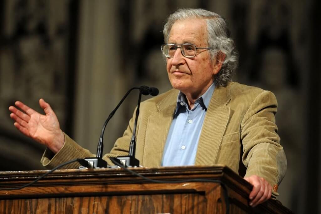 Perheeni ei tiedä, kuka on Noam Chomsky