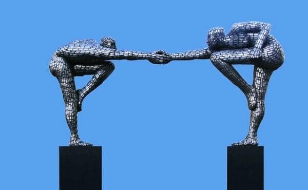 kaksi patsasta