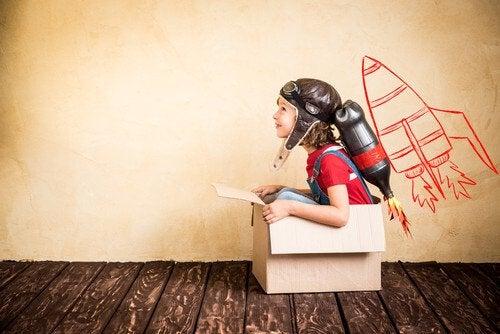 tylsistyminen auttaa lapsia luovuuteen