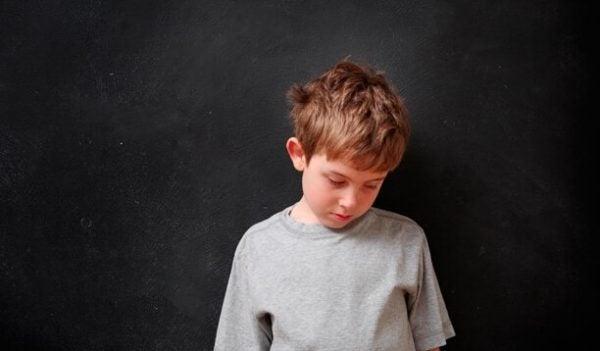 lapsille huutaminen voi viedä heidän itsetuntonsa