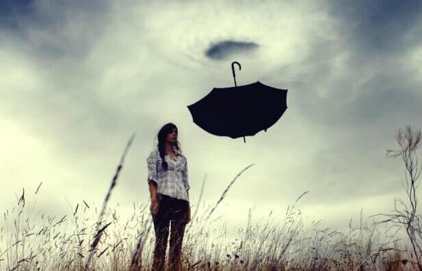 pyörremyrsky imee sateenvarjon