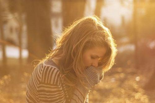 henkinen epävarmuus ja itsetunnon puute