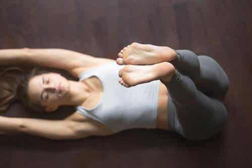 Neljä jooga-asanaa unettomuuden hoitoon