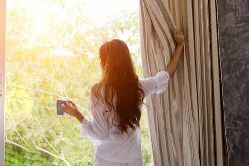 5 keinoa, jotka auttavat nousemaan ylös aikaisin