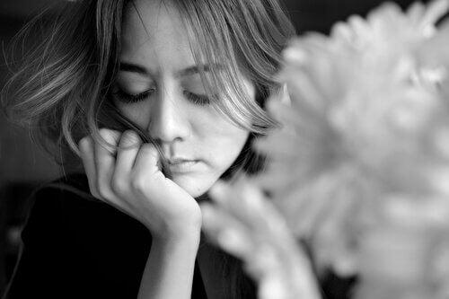 nainen ja melankolia