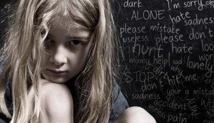 Verbaalinen hyväksikäyttö jättää jälkensä lapseen