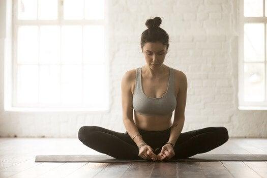 masennusta aiheuttava tulehdusteoria: hae apua joogasta