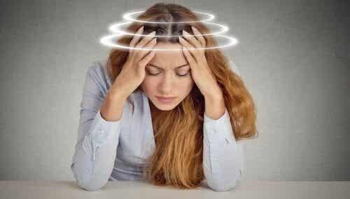 Kuinka selvitä ahdistuksen aiheuttamasta huimauksesta
