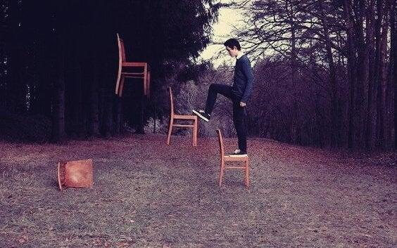 tuolit leijuvat ilmassa