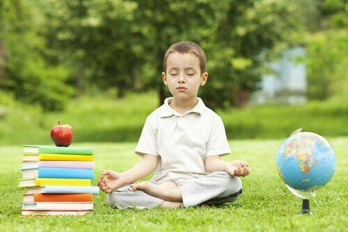 lasten meditaatio auttaa monella tapaa
