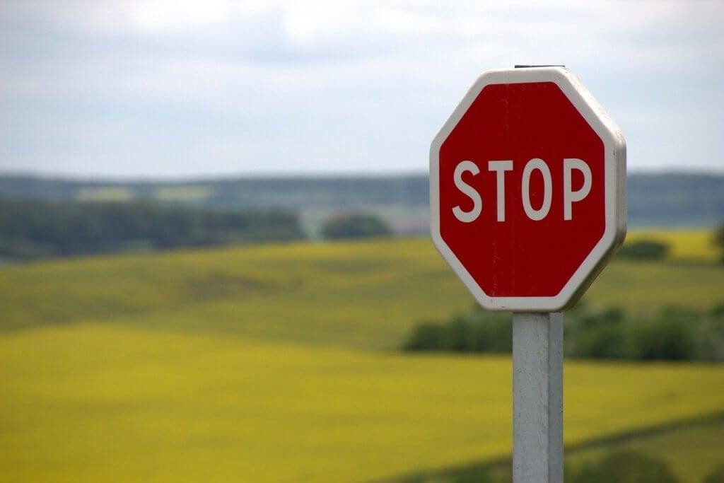 ajatusten pysäyttäminen stop-merkillä