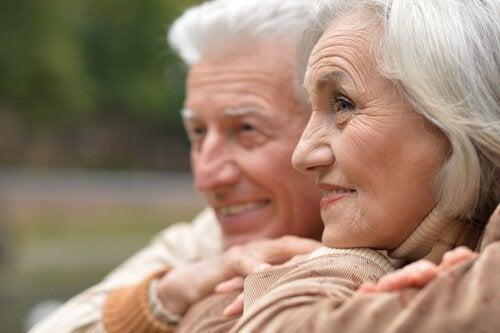 foolihappo ja ikääntyminen