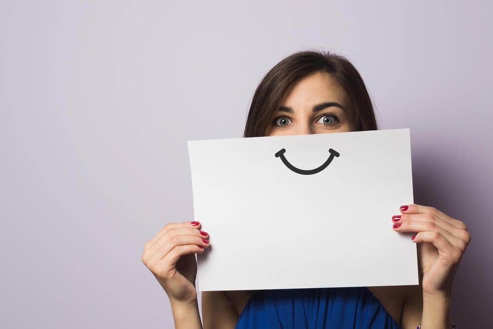 voit parantaa itsevarmuutta hymyilemällä