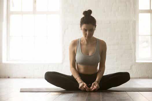 6 selkäkipua lievittävää jooga-asentoa