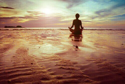 meditointia rannalla