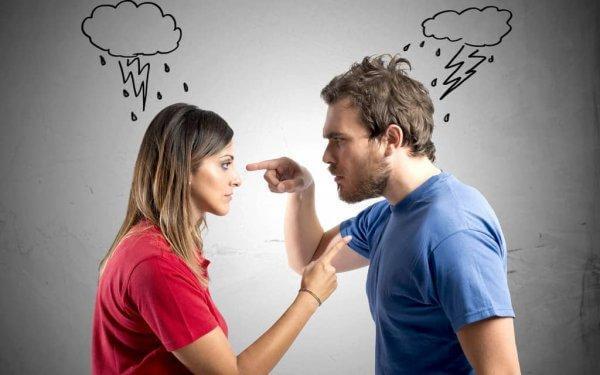 mies ja nainen suuttuneina