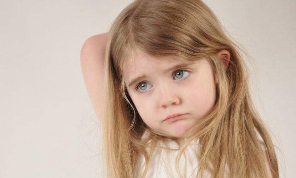 pienen tytön suru