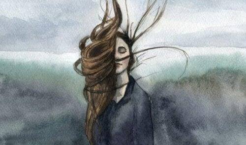 naisen hiukset lentävät