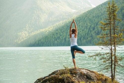 Viisi helppoa jooga-asentoa energian kanavoimiseen