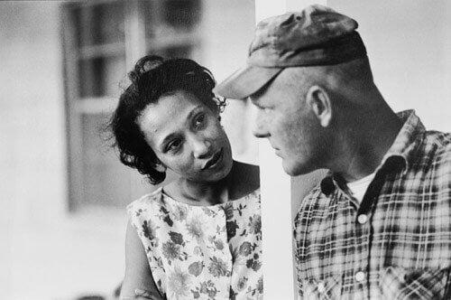 musta nainen ja valkoinen mies