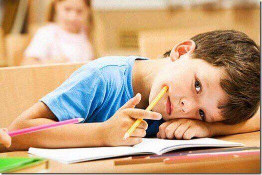 poika koulussa