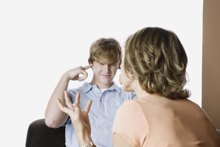 Kuinka voit auttaa perheesi murrosikäistä?