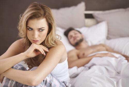 Naisten anorgasmia: aiheuttajat ja hoito