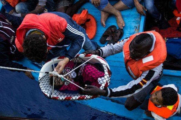 pakolaiset veneessä