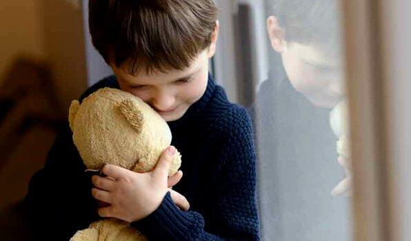poika halaa nallea