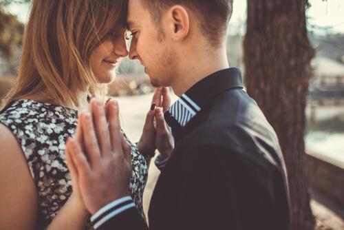 Opi rakastamaan tasapainoisessa ja terveessä parisuhteessa
