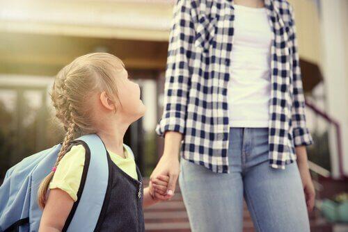 Auta lastasi saamaan paras ensimmäinen koulupäivä