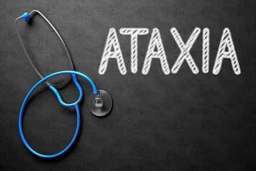 Ataksia: oireet, aiheuttajat ja hoito