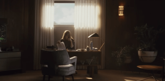 Homecoming: psykologinen trilleri tunteista ja muistoista