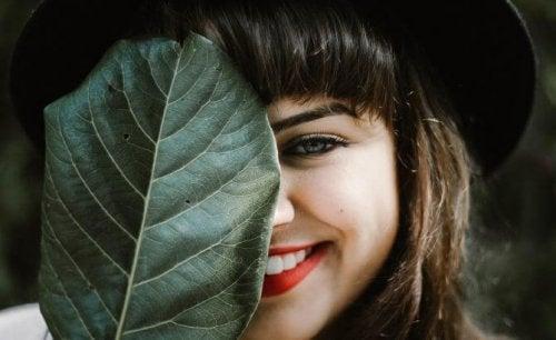 naisen Duchenne-hymy