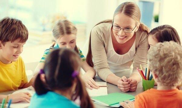opettaja ja oppilaat