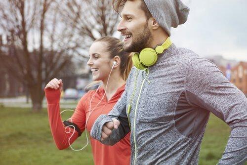 10 minuuttia liikuntaa päivittäin lisää onnellisuutta