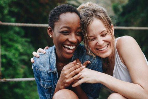 Sosiaalisen vuorovaikutuksen tärkeys aivojen kehityksen kannalta