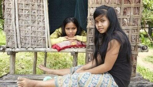 Seksuaaliset perinteet: alkuperäiskansan lapsia