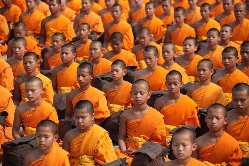 munkkien sosiaalinen identiteetti