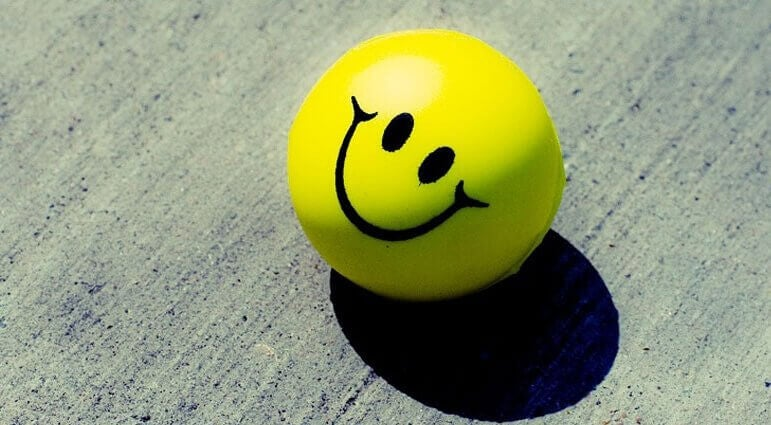 hymyilevä pallo