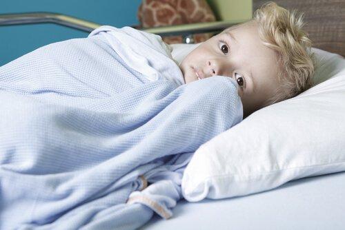 poika sairaalapedissä