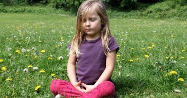 lasten tietoisuustaidot: meditointi