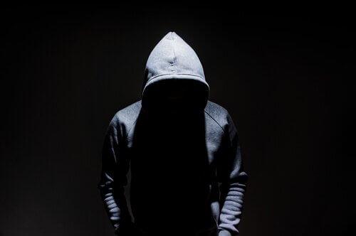 Terrorismin ja järjestäytyneen rikollisuuden väliset erot